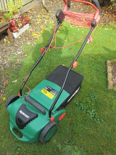 Qualcast Electric Lawn rake
