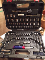 WORKPRO 101-pce Socket Wrench Set w/Quick-Release Ratchets