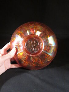 Magnificent-antique-carnival-glass-bowl-with-grape-vine