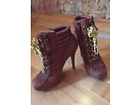 Boutique 9 Boots / Brown with Yellow Laces / UK size 6 / Euro size 38-39