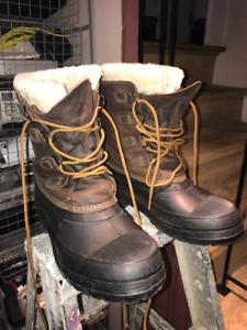 Men's Winter Boots - MADE IN CANADA - Size 10
