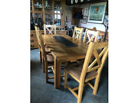 Lockdown-Knockdown price! Oak extendable dining table & 6matching chairs. All in great condition