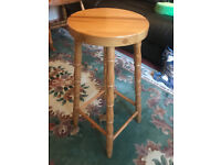 Solid Pine Farmhouse Kitchen Breakfast Bar Stool Circular Seat with Turned Legs