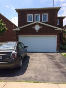 Richmond Hill 1 Room in a  Spotless Clean Bright 2 Bed apartment