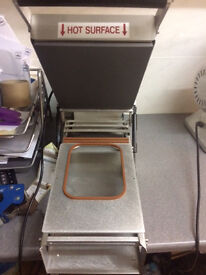 Mantle Vs300 Tray Lidder with Cpet trays and Sealing film