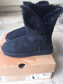 Ugg Bailey Button Boots - Black - Hardly Worn - UK 7.5