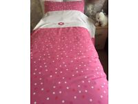 Single duvet cover and matching pillowcase
