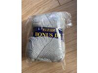 Brand-new light grey acrylic yarn 100g