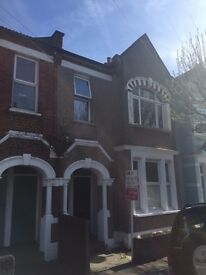 Beautiful 2 bedroom flat, period features, newly refurbed, must see!