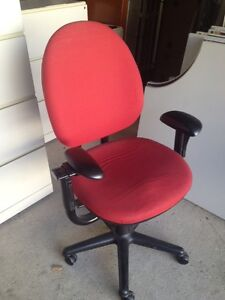 Great commercial grade office chairs - many 2 choose from