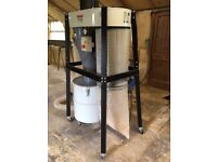 Axminster 2hp cyclone extractor trade