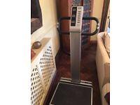OTO Bodycare FLABeLOS FL3000 vibration plate exercise machine