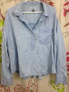 OLD NAVY CHAMBRAY BLOUSE SIZE XL FREE!!! Pick up only.