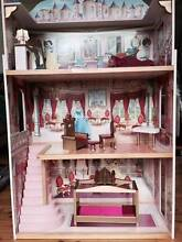Disney Princess Dolls House with 3 levels Newport Pittwater Area Preview