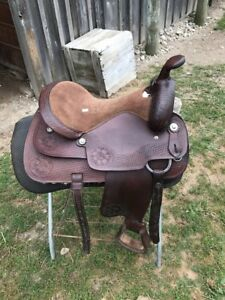 16 in horse saddle