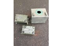 EX MILITARY LANDROVER TUAAM AMPS AND BOX