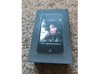 iPod Touch 16GB - Black / Silver