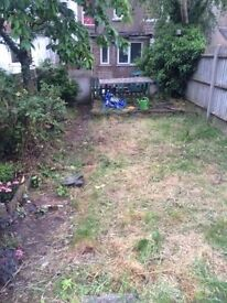 3 BEDROOM HOUSE to Rent SE25 *very spacious £1450