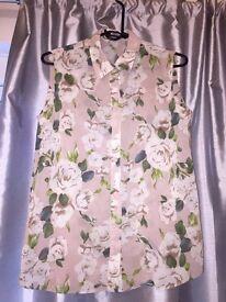 Size 8 floral blouse