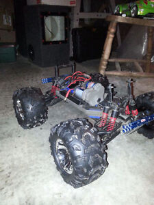 Traxxas Emaxx Chasis with Summit rims/tires