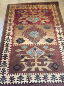 Beautiful Stain-Resistant Rug