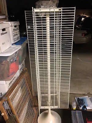 White Retail Store Display Spinner Rack With 22 Hooks