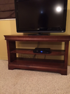 Stand/console and matching side table