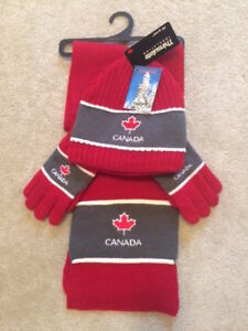 NEW with tags - 3 pc Canada set - Size 4-6x - Unisex