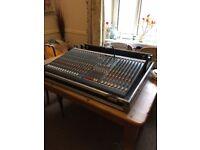 Allen and Heath 24-4-2 GL2200 Mixer