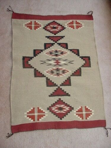 FINELY WOVEN NAVAJO INDIAN TEEC NOS POS TAPESTRY WEAVE RUG