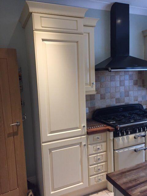 Shaker Style Kitchen Incl Island Fridge Freezer And Bosch Dishwasher