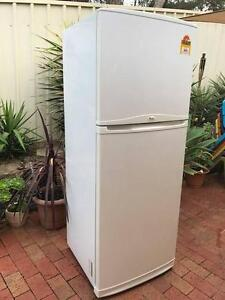 WHIRLPOOL 420 LTR FRIDGE WORKS PERFECT DELIVER CLEAN NO SMELLS Happy Valley Morphett Vale Area Preview