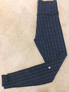 Lululemon leggings - size 6 or 8
