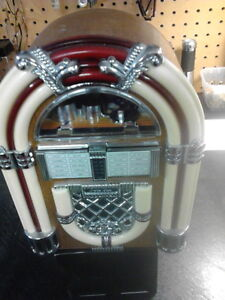 Vintage Transistor Radios from $10.00 and up