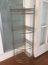 Corner shelf basket