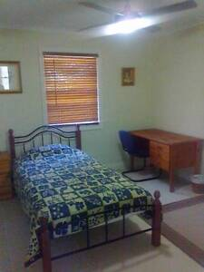 Single Room for QE2 Hospital & Griffith Uni visitor Coopers Plains Brisbane South West Preview