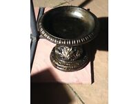 Lovely bronze affect bird bath excellent condition