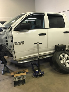 2014 Dodge Power Ram 1500 hemi Pickup Truck salvage loaded