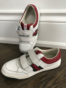 GUCCI KIDS SHOE size 33, approx size 2, nearly new!!!