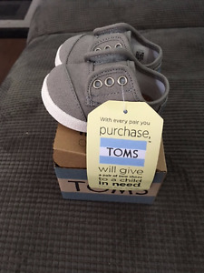 Baby Toms size 2  New with box