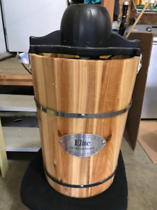 REDUCED - Ice Cream Maker (electric)