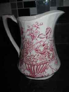 BEAUTIFUL LARGE ALFRED MEAKIN CREAMER (MILK)