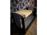 Baby cot safari wooden with mattress + Baby Cot Bed Changing Mat 80 x 50 - GIRAFFE ECRU
