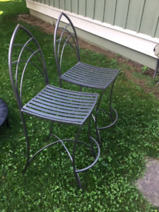 Wrought iron counter height chairs