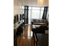 Modern 2 bedroom flat available now in Surrey Quays, SE16