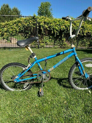 Custom Made 2 Bicycle Bike Stand Metal Gt Performer Bmx Display Stand