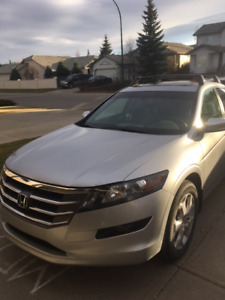 2012 Honda Crosstour *Priced well below market value*