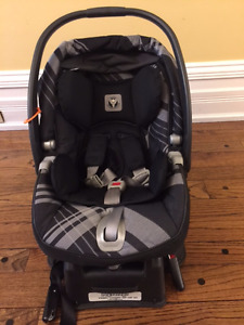 Peg Perego Primo Viaggio SIP infant car seat with base