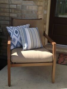 Outdoor Patio Chair and Two Decorative Pillows London Ontario image 1