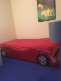 Boys' ''racing car'' bed age 6-10 approx, L 208 W 100 H 39 good condition